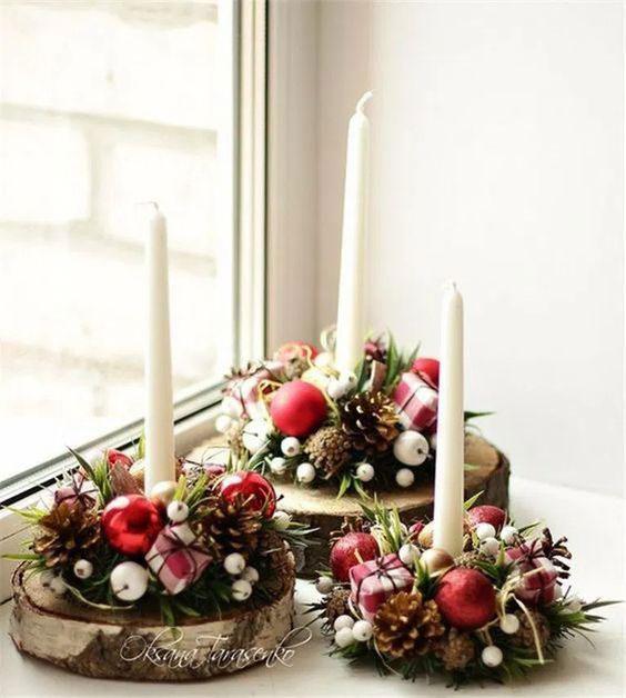 Enfeite de mesa de Natal com vela e madeira
