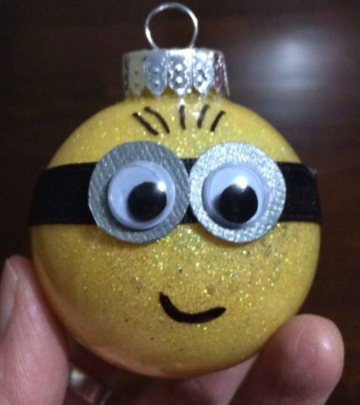 Bola natalina do Minion