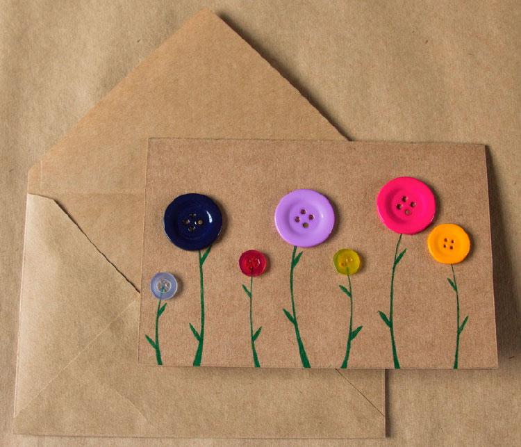 Cartão de flores com botões para as mães