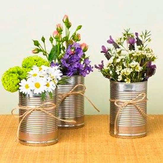 Latas com flores para o Dia das Mães