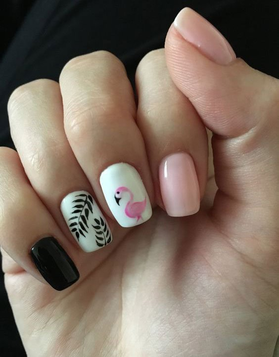 Unhas decoradas com flamingo