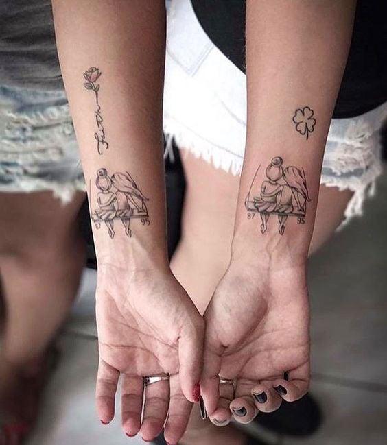 Tatuagens legais de mãe e filha