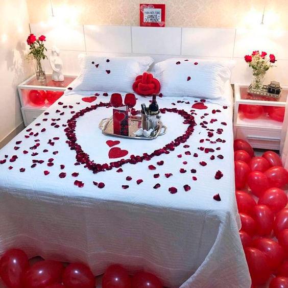 Decore a cama para surpreender o marido no aniversário