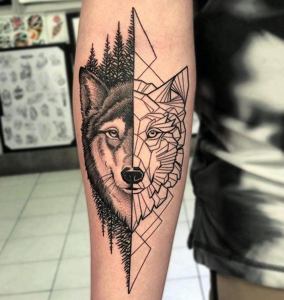 Tatuagem de Lobo realístico e abstrato no antebraço