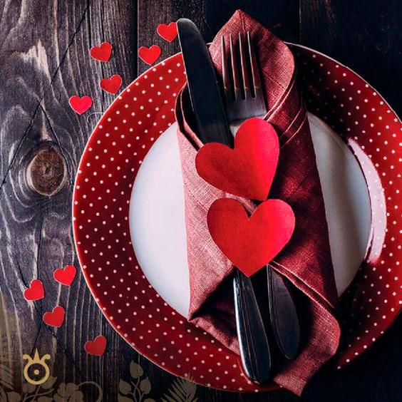 Detalhes do guardanapo para a mesa do jantar