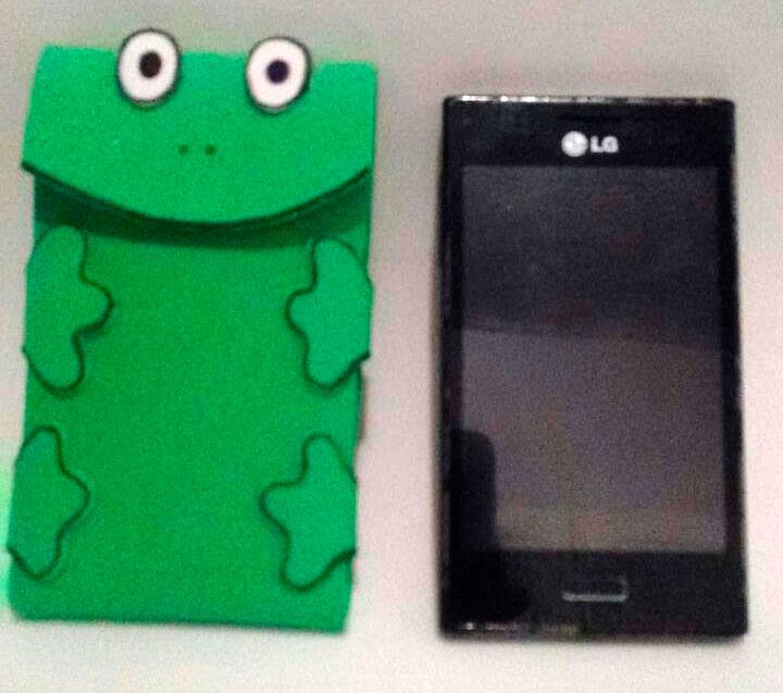 Porta-celular de sapinho para o Dia das Mães