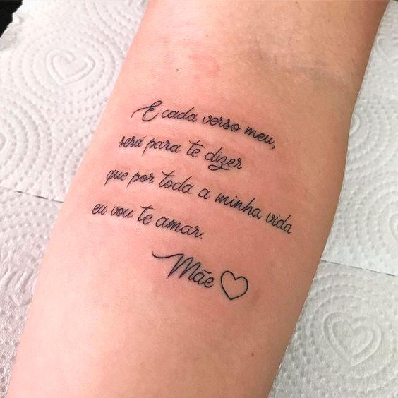 Tatuagem homenageando a mãe