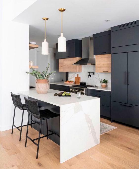 Cozinha americana planejada com a elegância do mármore