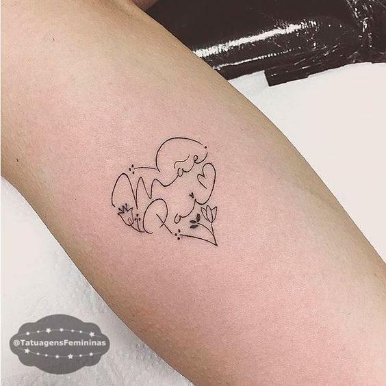 Tatuagem delicada de mãe e pai