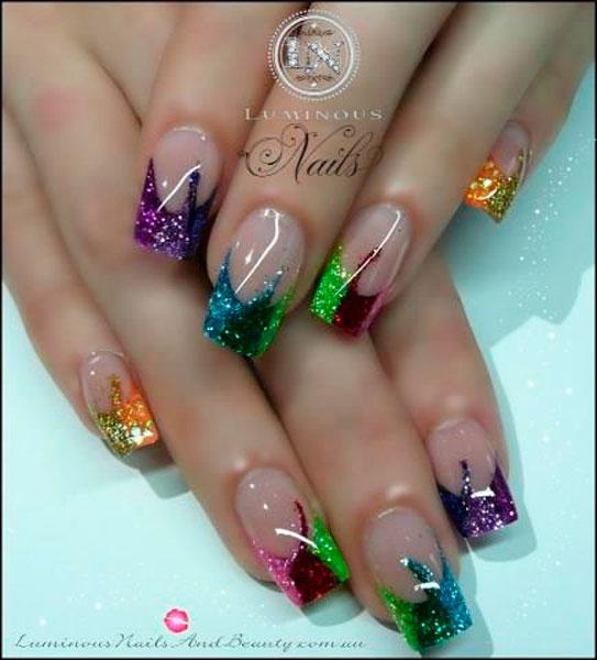 Unhas luminosas com glitter